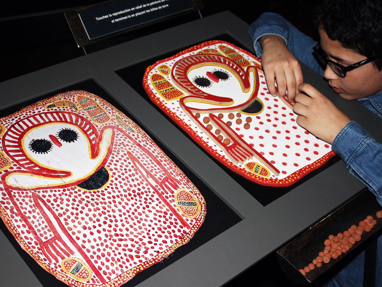 Mains tactiles et gravure primitive