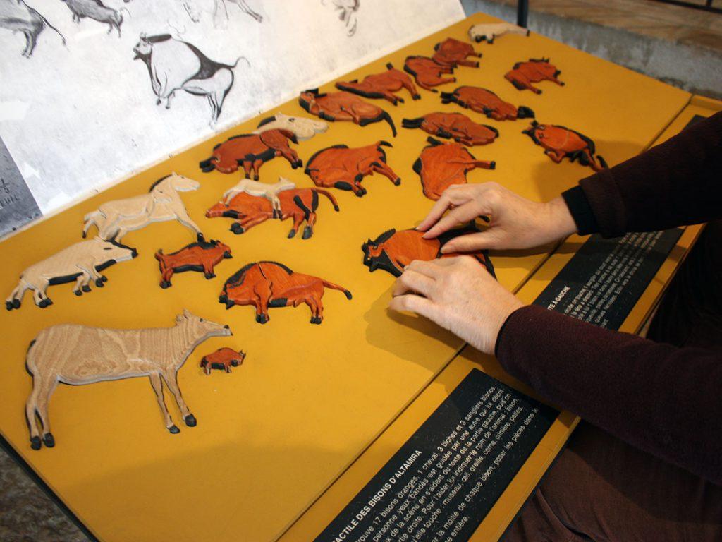 Jeu puzzle tactile autour des bisons de la grotte d'ALTAMIRA