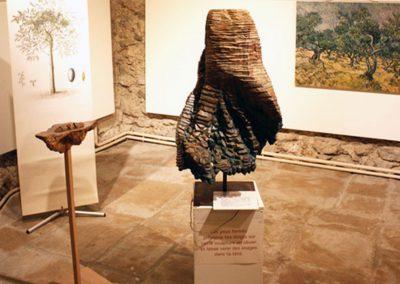 Œuvre tactile en bois d'olivier