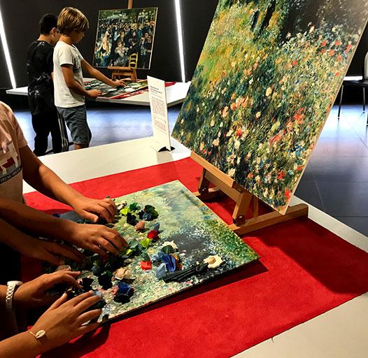 Exploration textile pour découvrir le tableau, Femme à l'ombrelle dans un jardin